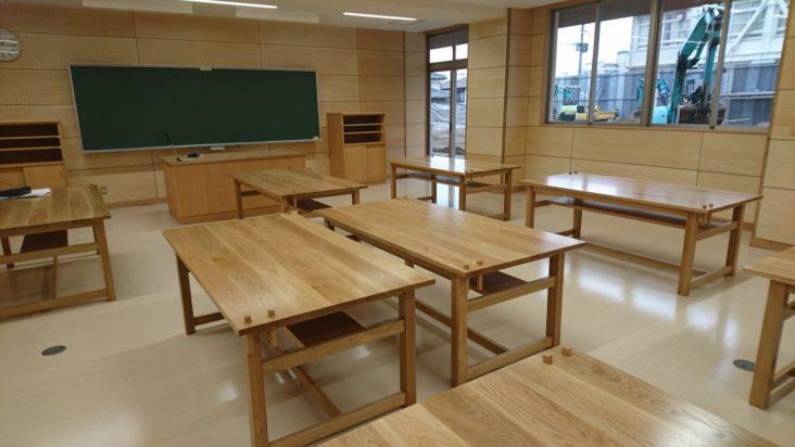 学校造作家具6